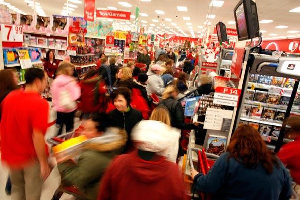 الجمعة السوداء، جمعة اقتحام المتسوقيين للأسواق الأمريكية و موسم التخفيضات الجنونية (4)