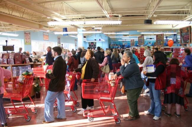الجمعة السوداء، جمعة اقتحام المتسوقيين للأسواق الأمريكية و موسم التخفيضات الجنونية (3)