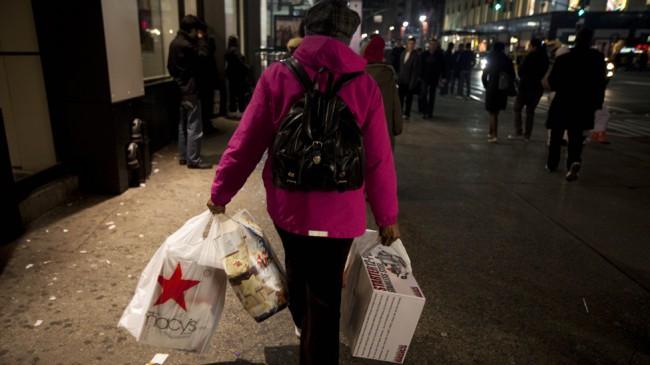 الجمعة السوداء، جمعة اقتحام المتسوقيين للأسواق الأمريكية و موسم التخفيضات الجنونية (11)