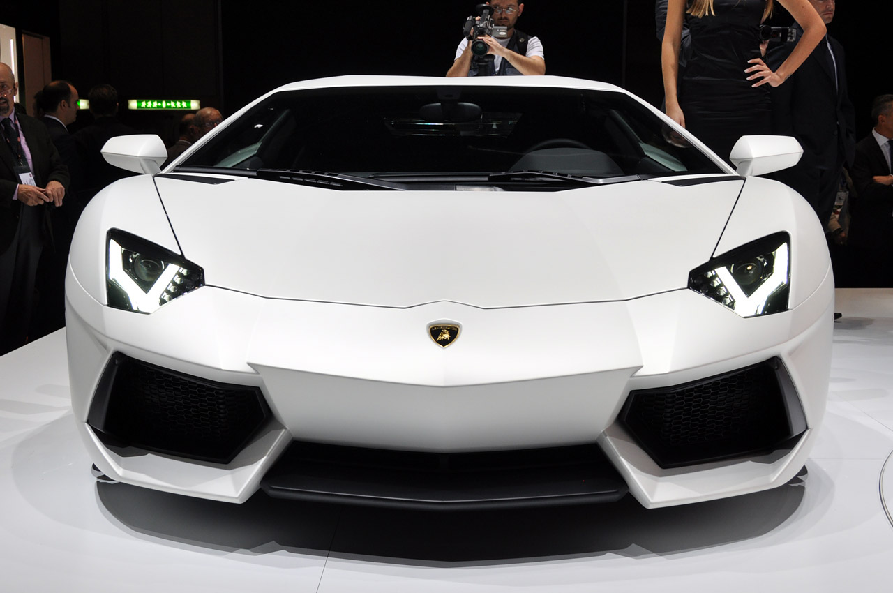 Lamborghini Aventador LP700-4 229.jpg