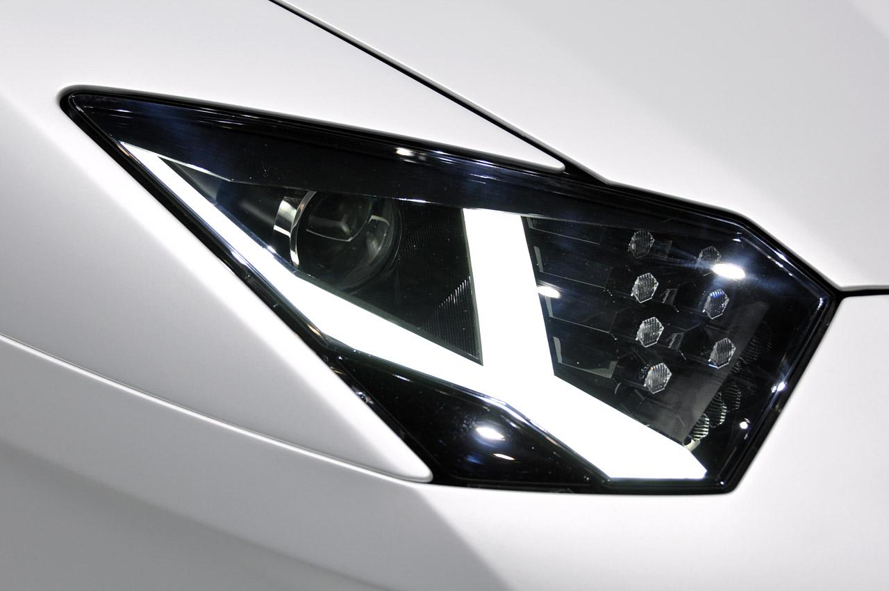 Lamborghini Aventador LP700-4 230.jpg