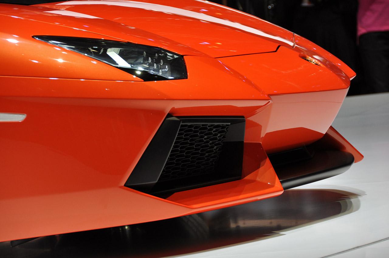 Lamborghini Aventador LP700-4 232.jpg