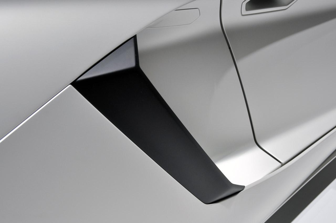 Lamborghini Aventador LP700-4 237.jpg